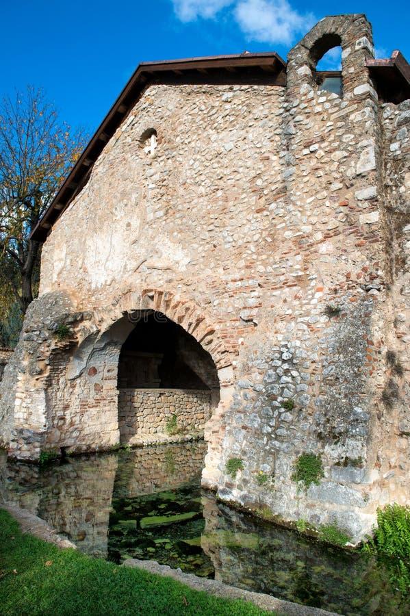 圣乔瓦尼,帕杜拉, SA意大利洗礼池  库存图片