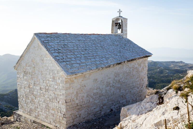 圣乔治(Sveti Jure)山的教堂- Biokovo山,克罗地亚,欧洲 免版税库存照片