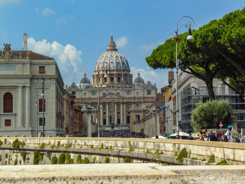 圣伯多禄大教堂,梵蒂冈-罗马,意大利 免版税库存照片