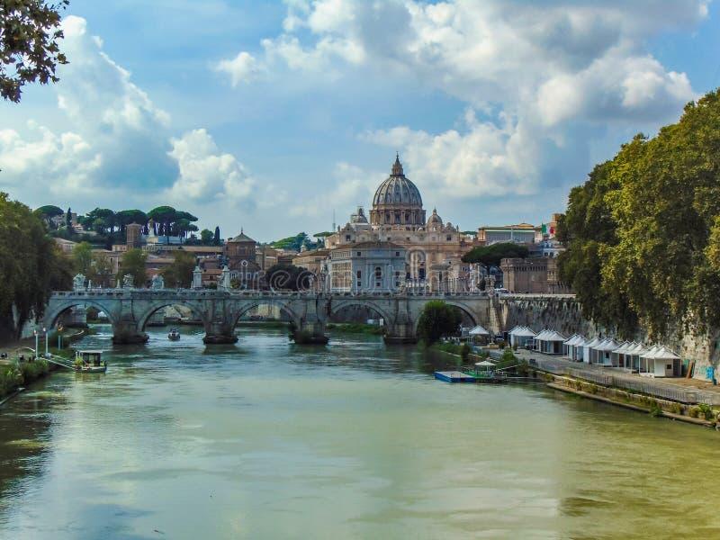 圣伯多禄大教堂,梵蒂冈-罗马,意大利 免版税图库摄影