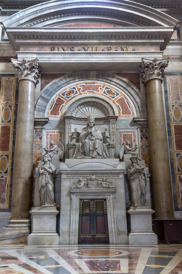 圣伯多禄教会大教堂在梵蒂冈,罗马 免版税图库摄影