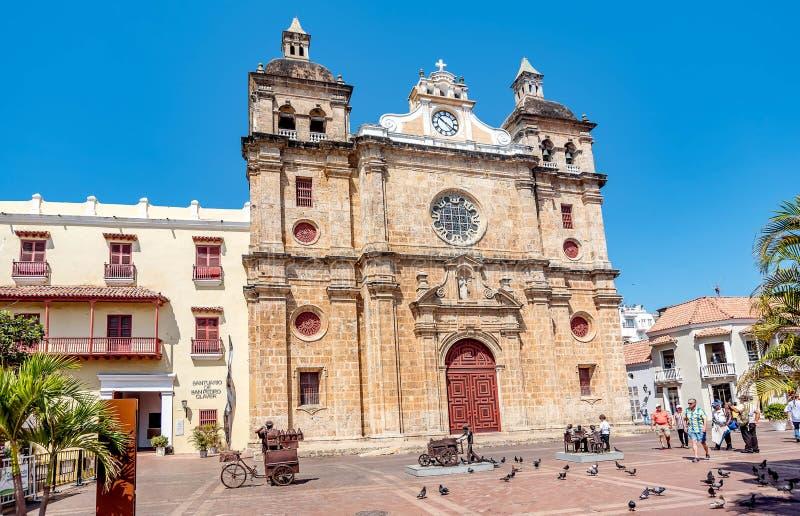 圣佩德罗火山克拉弗教会在老镇卡塔赫钠,哥伦比亚 免版税库存图片
