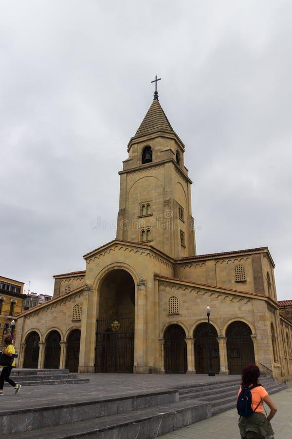 圣佩德罗火山教会在Gijon 免版税库存照片