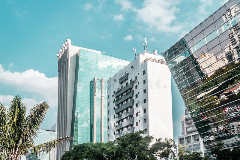 圣保罗、巴西& x28大厦和街道; Brasil& x29; 库存图片