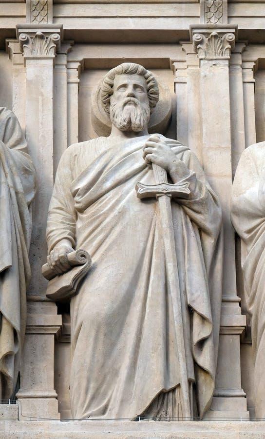 圣保罗传道者,在圣奥斯丁教会门面的雕象在巴黎 免版税库存图片