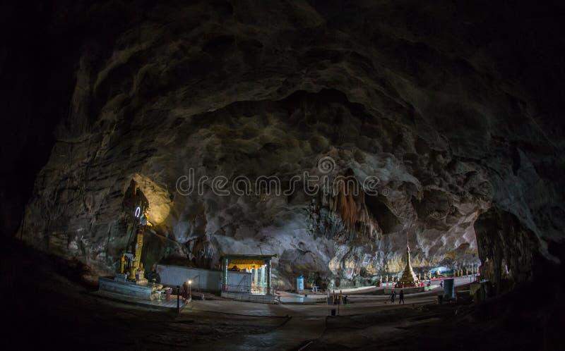 圣保罗圣洁雕象在地下洞里面的 免版税库存图片