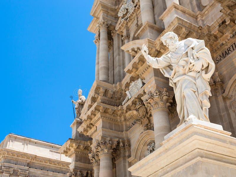 圣保罗在西勒鸠斯大教堂附近的传道者雕象 免版税库存照片