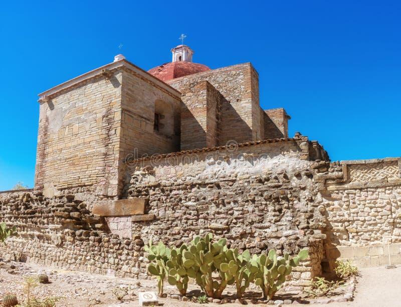 圣保罗教会在Mitla,瓦哈卡,墨西哥 库存图片