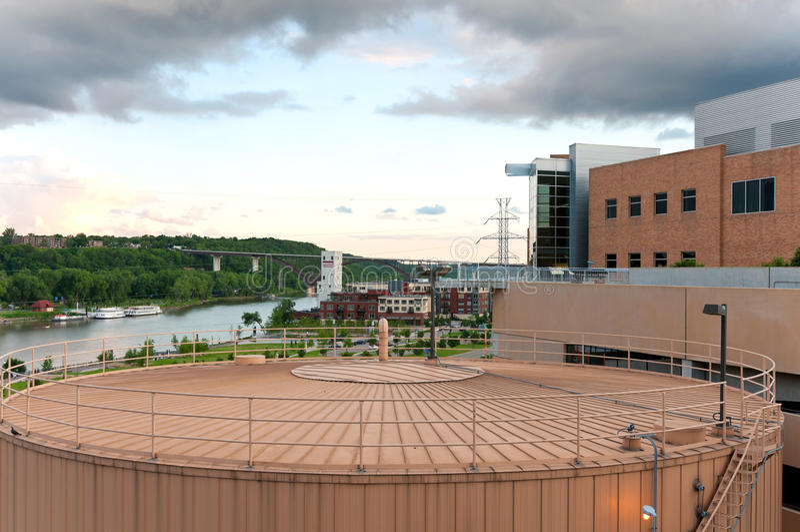 Download 圣保罗河边区和地标 库存照片. 图片 包括有 都市风景, 圣徒, 可延续, 河边区, 博物馆, 次幂, 存贮 - 72355822