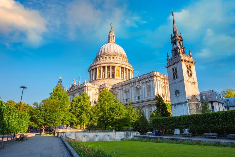 圣保罗` s大教堂在伦敦,英国 免版税库存图片