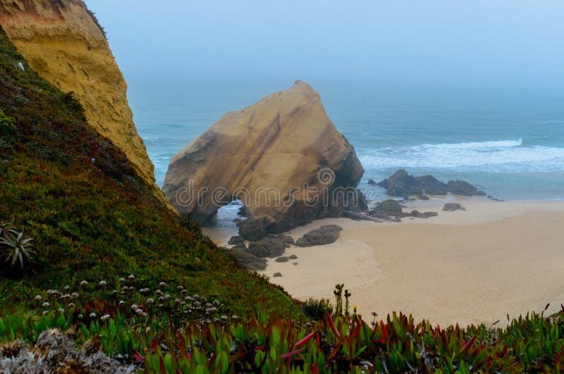 圣克鲁斯海滩,托雷斯韦德拉什-葡萄牙 库存照片