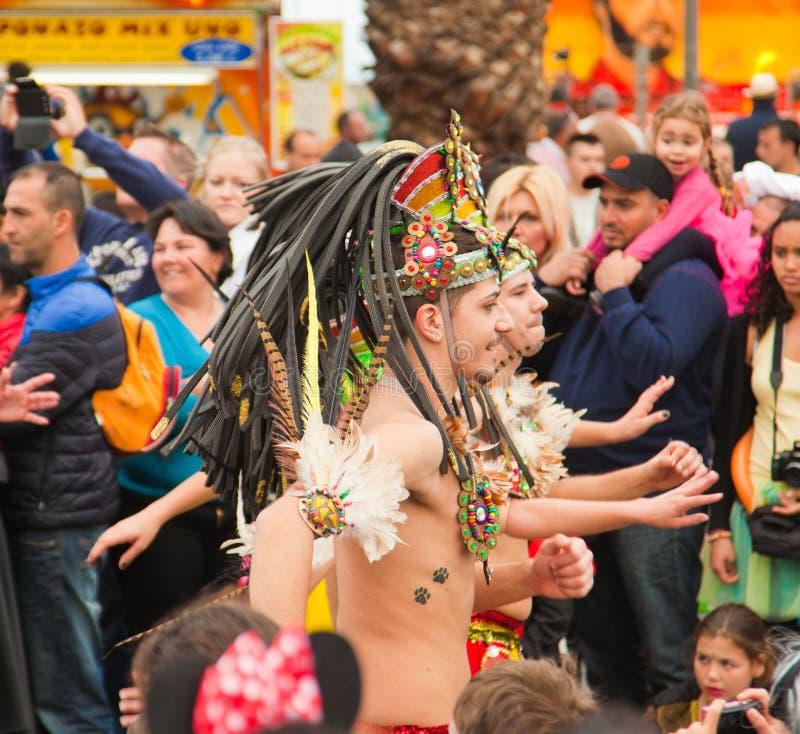 圣克鲁斯,西班牙狂欢节队伍2013年 免版税库存图片
