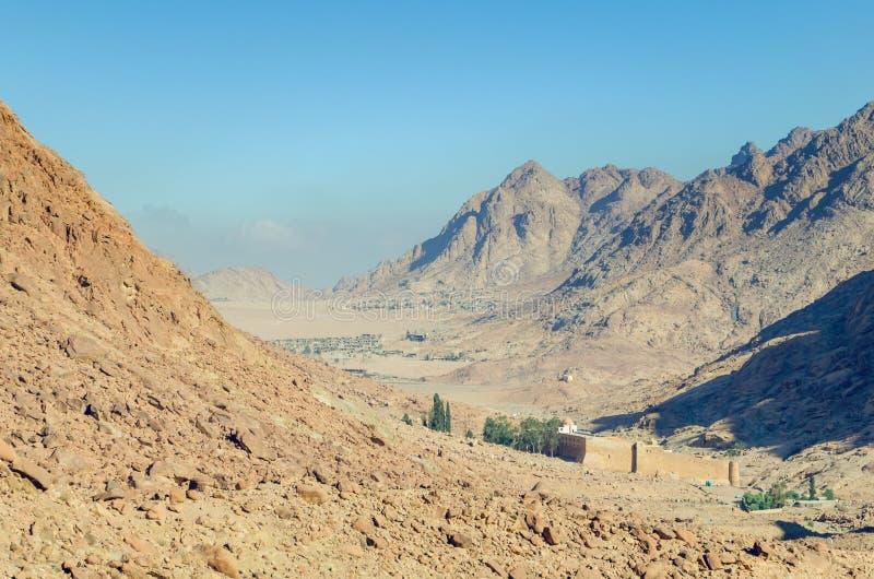 圣凯瑟琳修道院在埃及的山的在西奈半岛 库存照片