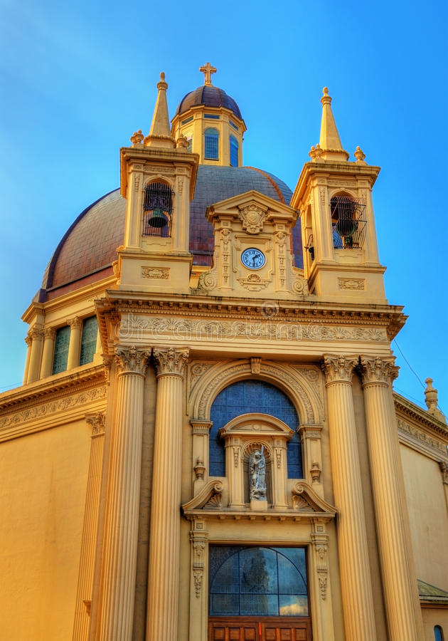 圣加百利和圣诞老人盖马教会在伊伦-西班牙 库存图片
