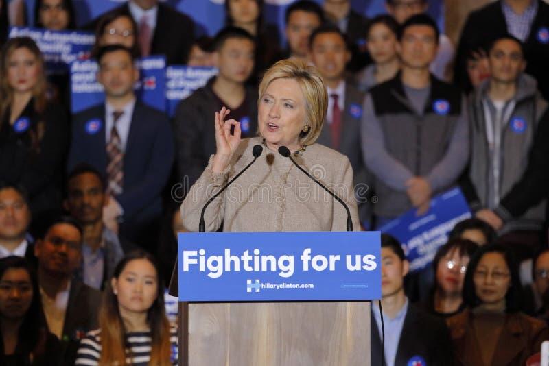圣加百利, LA,加州- 2016年1月7日,民主党总统候选人希拉里・克林顿与亚裔美国人和和平的Isla讲话 库存照片