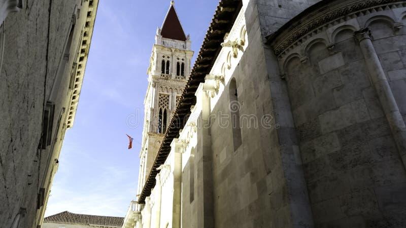 圣劳伦斯大教堂在历史的市特罗吉尔,克罗地亚 库存照片