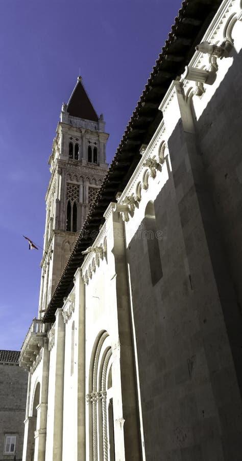 圣劳伦斯大教堂在历史的市特罗吉尔,克罗地亚 免版税图库摄影