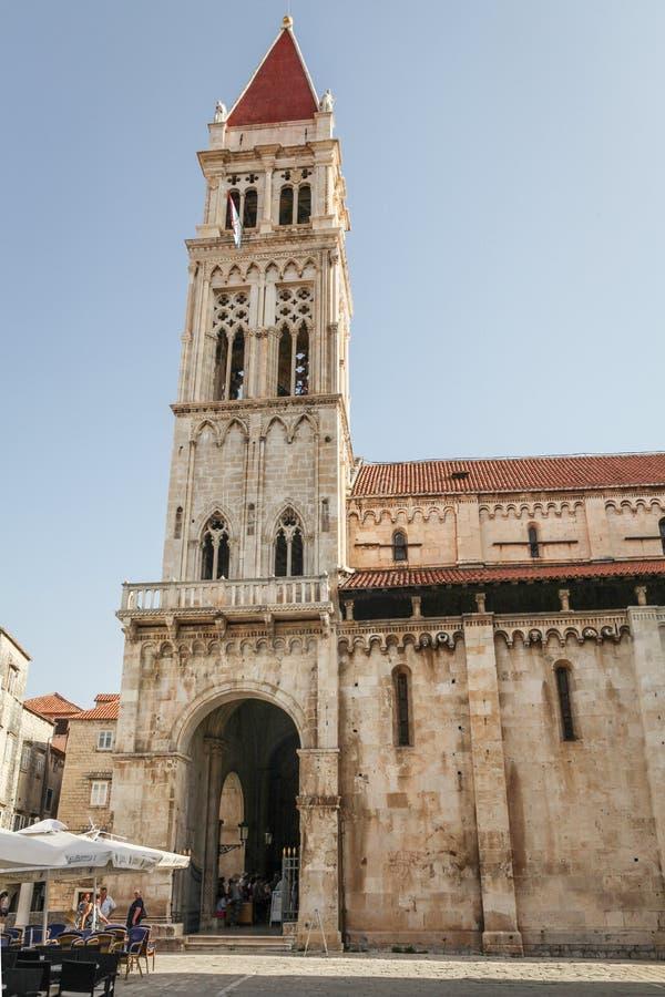 圣劳伦斯大教堂在特罗吉尔 免版税库存图片