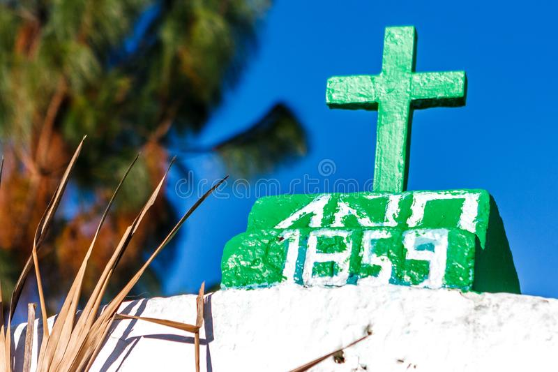 圣包蒂斯塔教会在圣胡安Chamula市场,恰帕斯州,墨西哥上 免版税库存照片