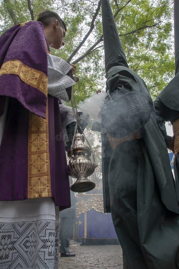 圣周在塞维利亚,香火 库存照片
