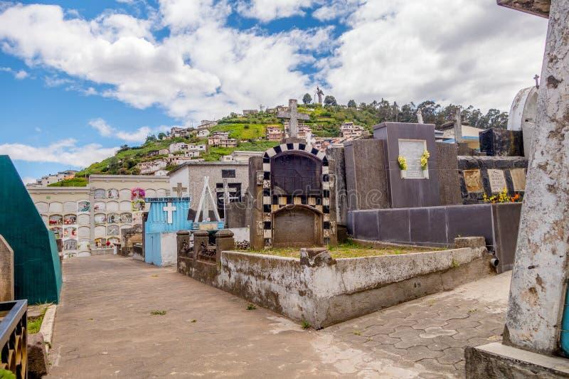 圣地亚哥教会基多公墓从更低射击了 库存图片