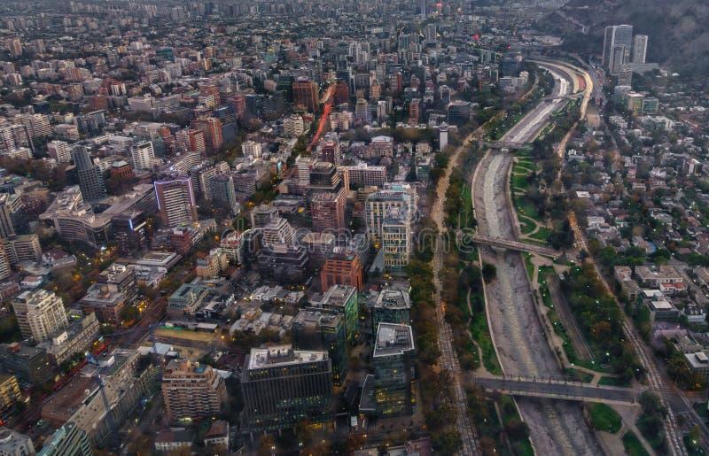圣地亚哥de智利市超长的曝光顶视图 免版税图库摄影