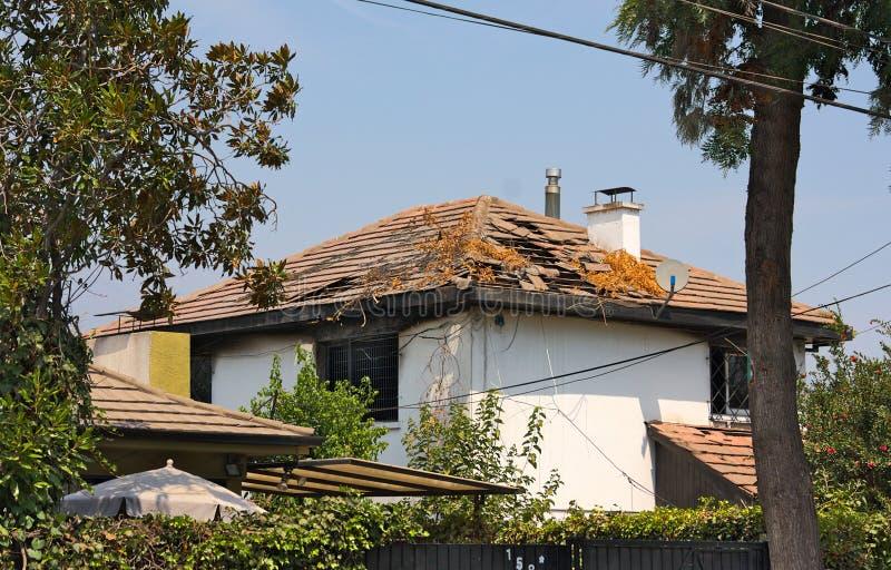 圣地亚哥de智利损坏了屋顶- I - 免版税库存图片