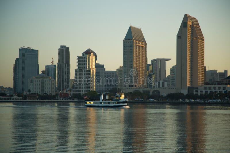 圣地亚哥doutown的看法从科罗纳多海岛的 免版税库存照片