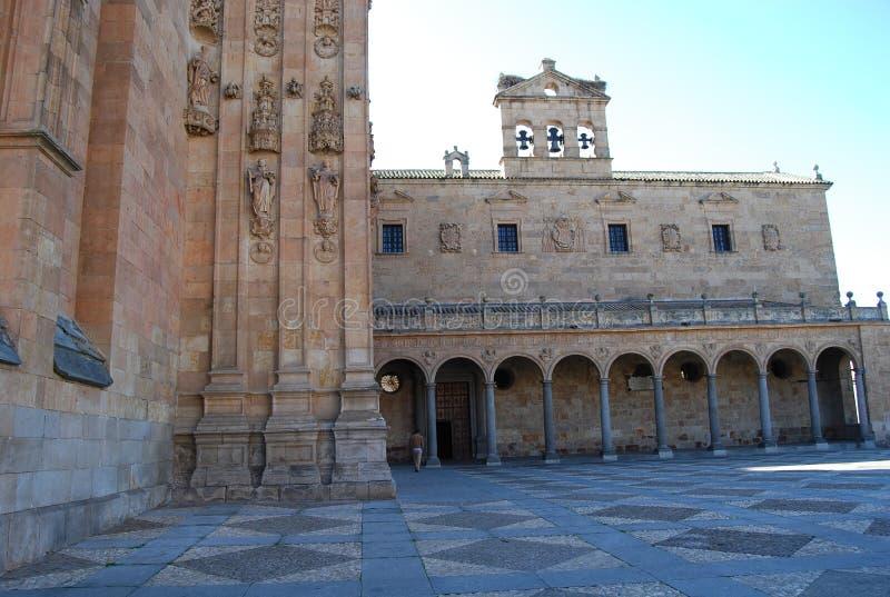 圣埃斯特万曲拱正门女修道院  免版税图库摄影