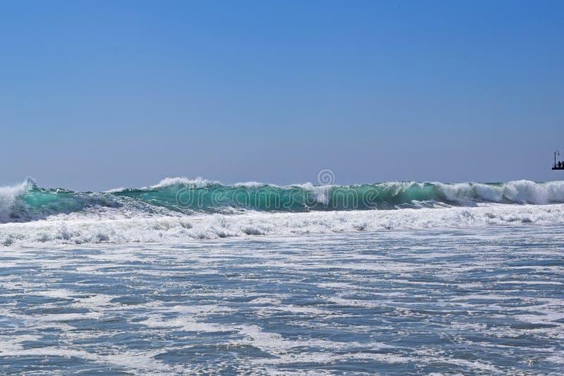 圣塔蒙尼卡海浪 库存照片