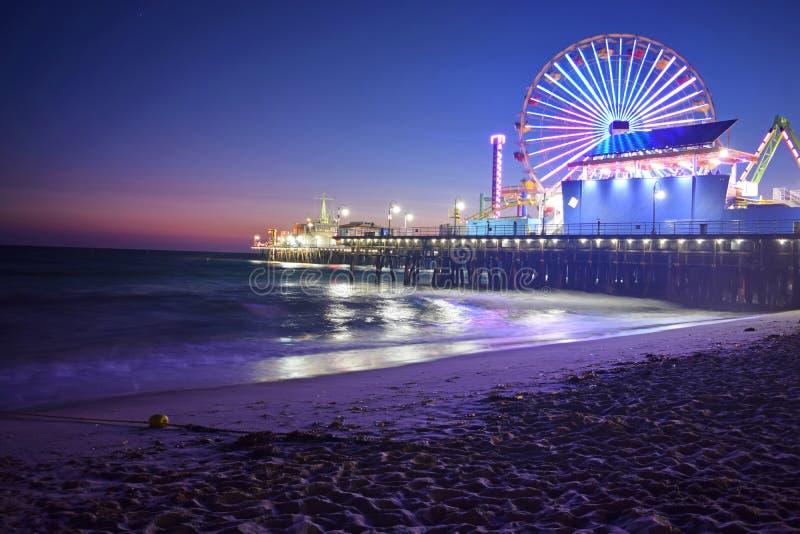 圣塔蒙尼卡海滩在晚上 库存图片