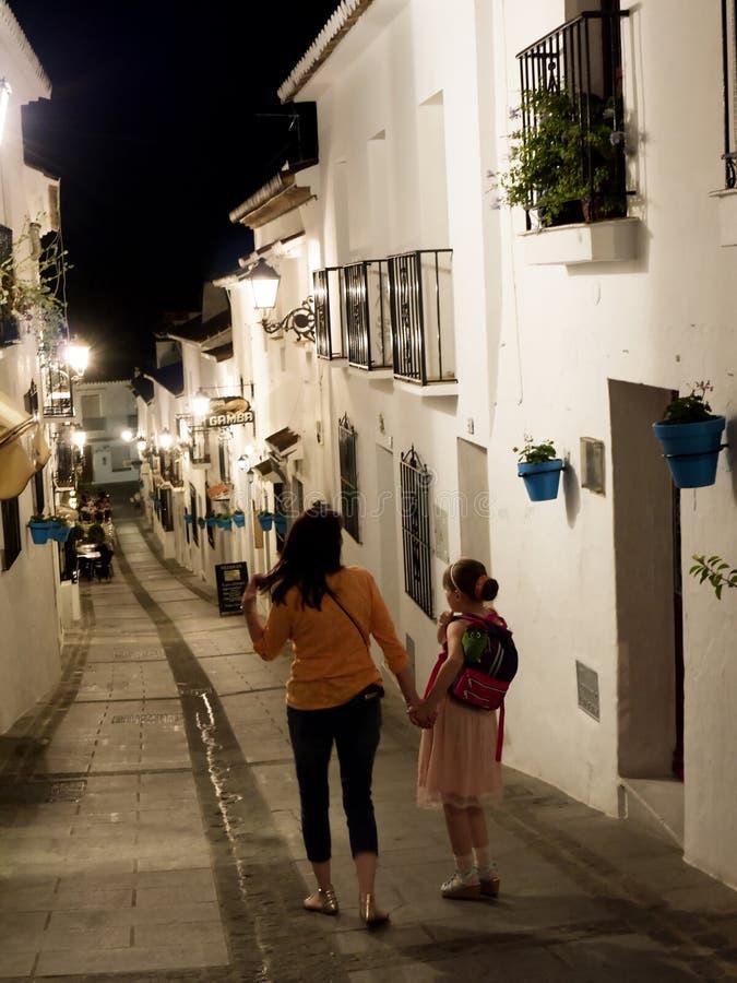 圣塞瓦斯蒂安街道在安达卢西亚最美丽的'白色'村庄的米哈斯一  免版税库存照片