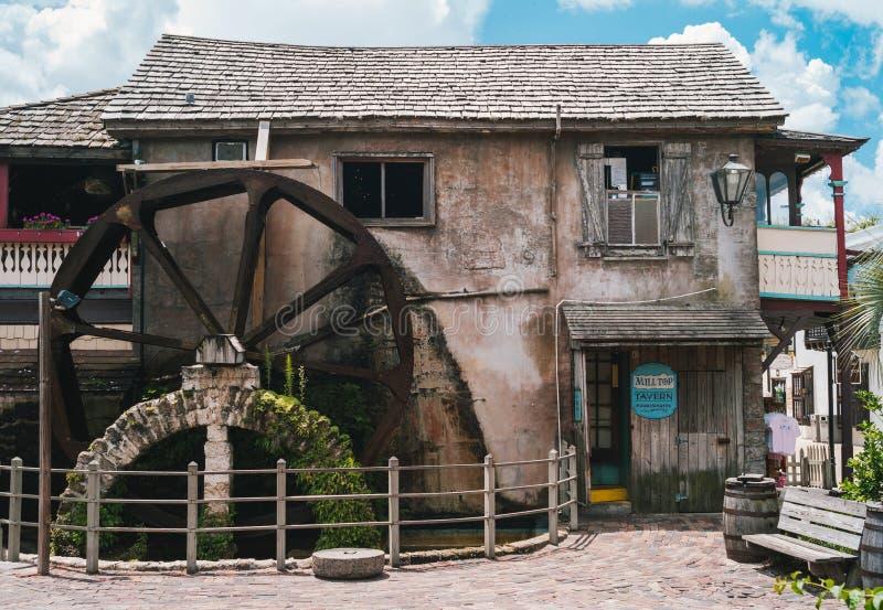 圣奥古斯丁历史悠久的殖民区的老磨坊和Milltop Tavern酒馆 免版税库存图片