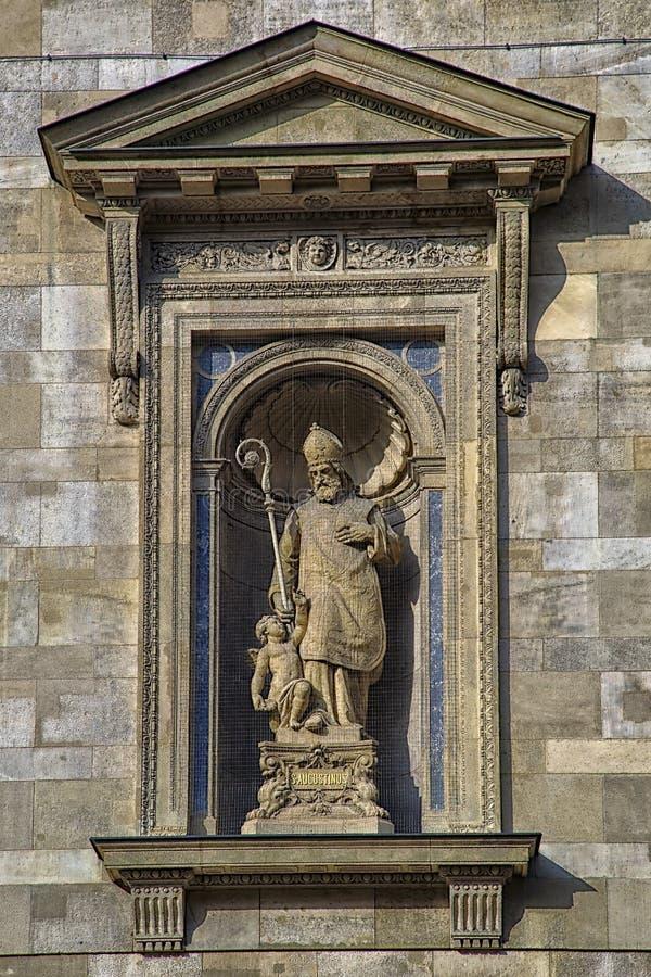 圣奥斯丁和天使 库存图片