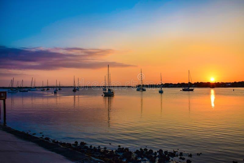 圣奥斯丁,佛罗里达,马坦萨斯狮子河和桥梁的美国  免版税库存照片