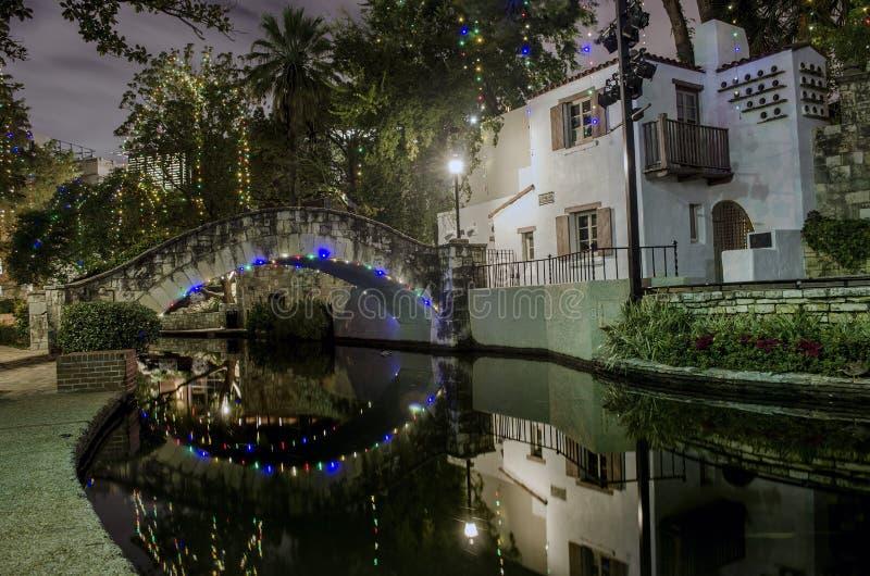 圣安东尼奥Riverwalk在晚上 免版税库存照片
