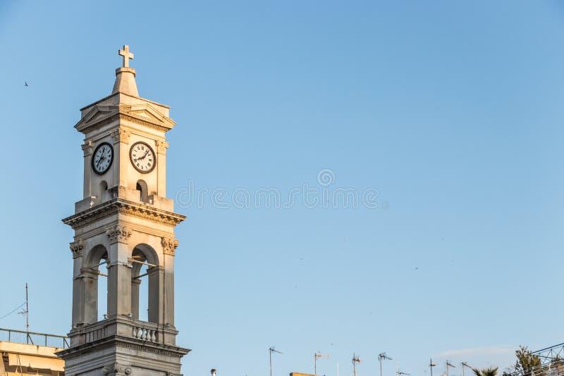 圣尼古拉斯大教堂教会的钟楼在沃洛斯, Gre 库存图片