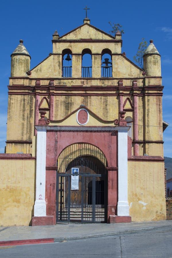 圣尼古拉斯教会在圣克里斯托瓦尔de Las卡萨什 免版税库存图片