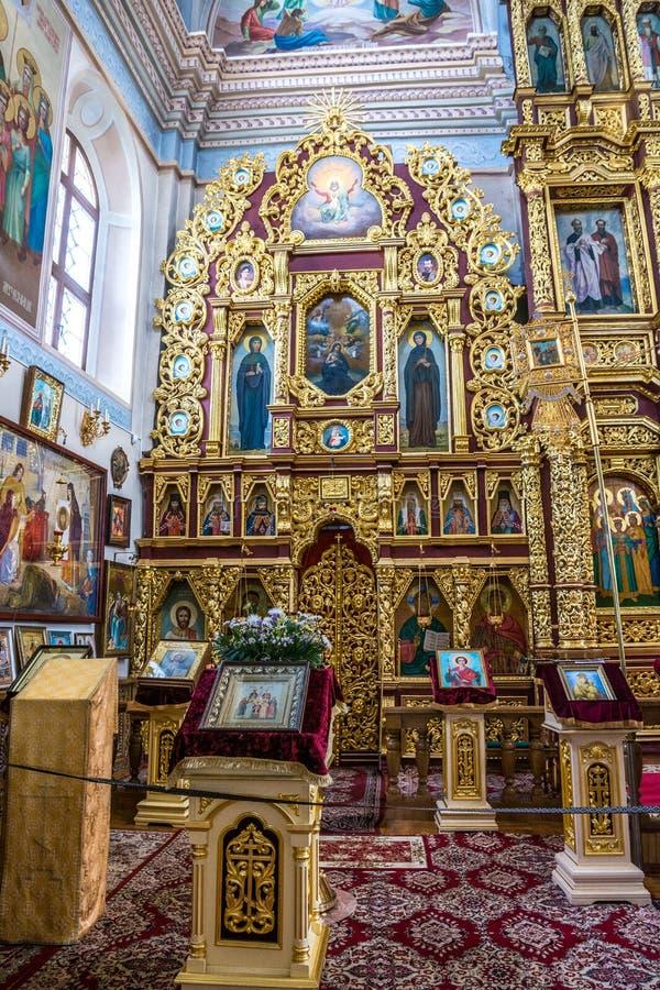 圣尼古拉斯教会的圣障和内部在莫吉廖夫 迟来的 图库摄影