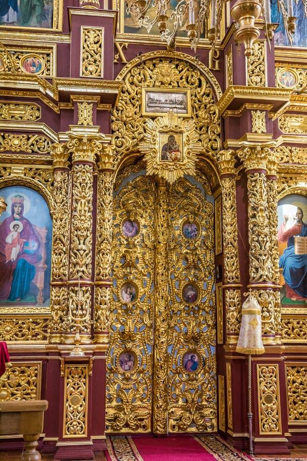 圣尼古拉斯教会的圣障和内部在莫吉廖夫 迟来的 免版税库存图片