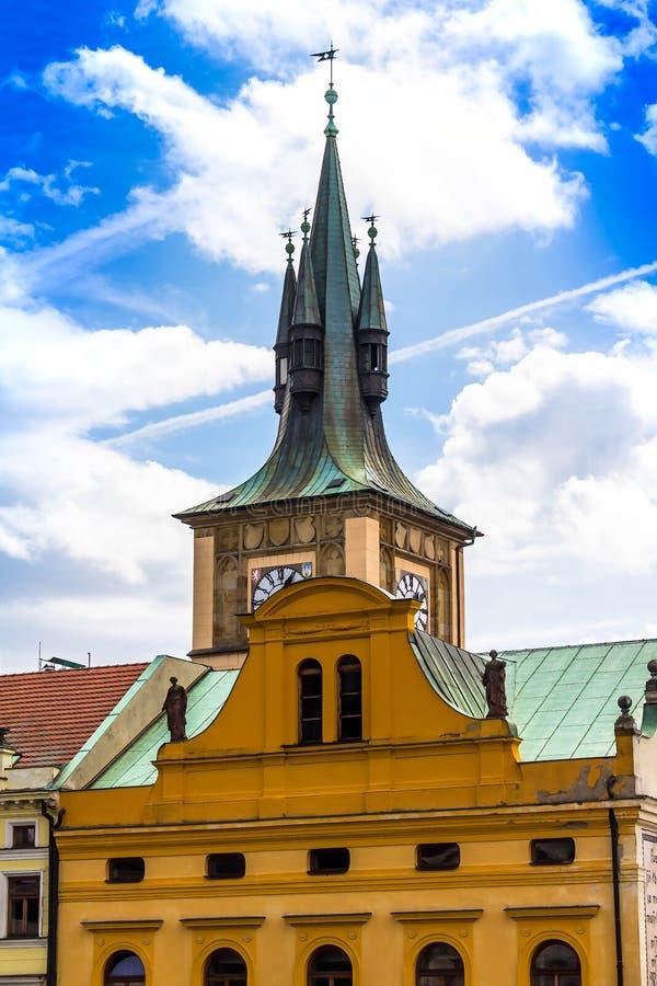 圣尼古拉斯教会绿色屋顶处所的Mala Strana在布拉格 库存图片