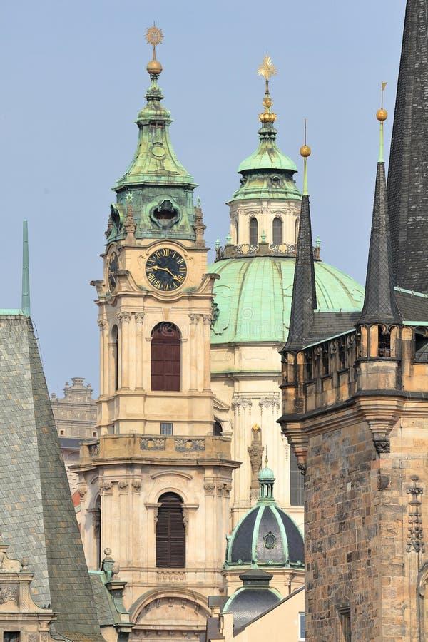 圣尼古拉斯教会Kostel svatého Mikuláše查理大桥最Karluv钟楼和塔,布拉格普拉哈,捷克稀土 库存照片