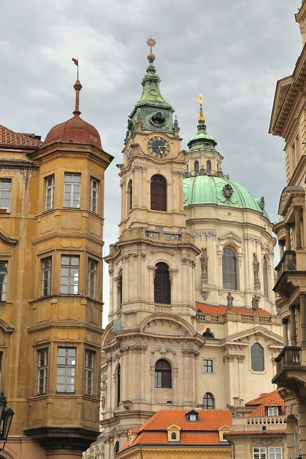 圣尼古拉斯教会Kostel svatého Mikuláše,布拉格普拉哈,捷克Ceská钟楼republika 免版税库存图片