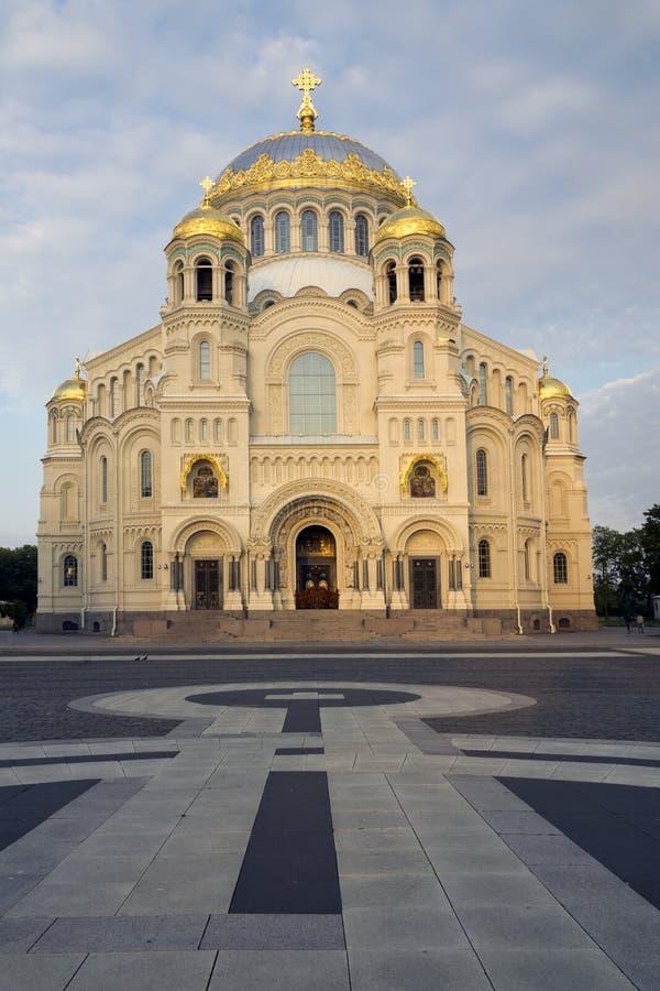 圣尼古拉斯正统海军大教堂在Kronshtadt,圣彼德堡俄罗斯 免版税图库摄影