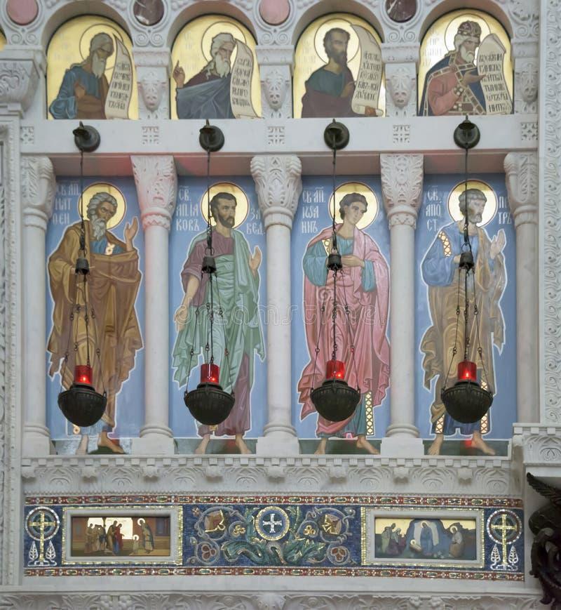 圣尼古拉斯海军大教堂的内部  免版税库存图片