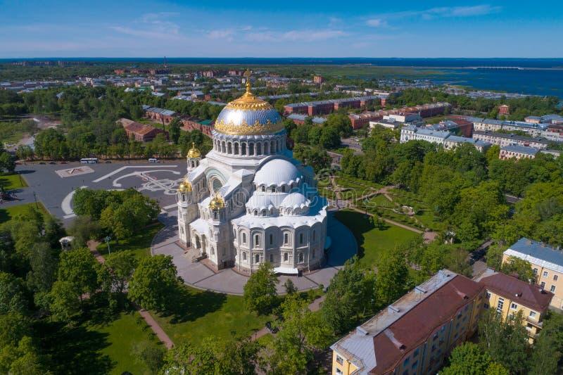 圣尼古拉斯海军大教堂航拍 喀琅施塔得,俄罗斯 免版税库存照片