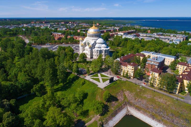 圣尼古拉斯海军大教堂航拍 喀琅施塔得,俄罗斯 免版税库存图片