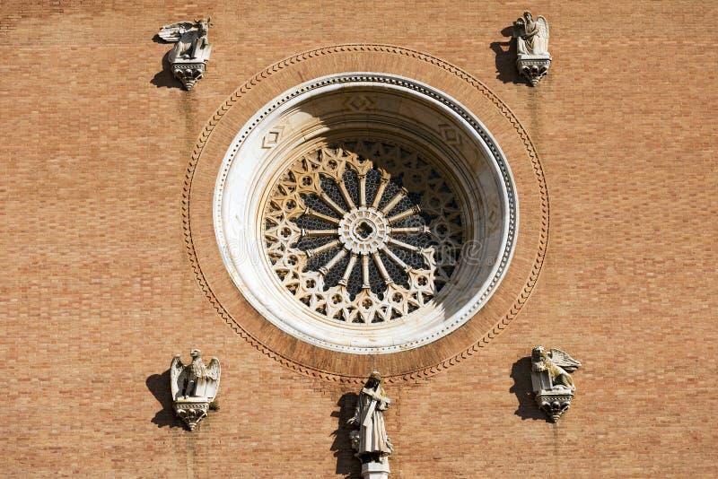 圣弗朗切斯科-锡耶纳意大利大教堂细节  免版税库存图片