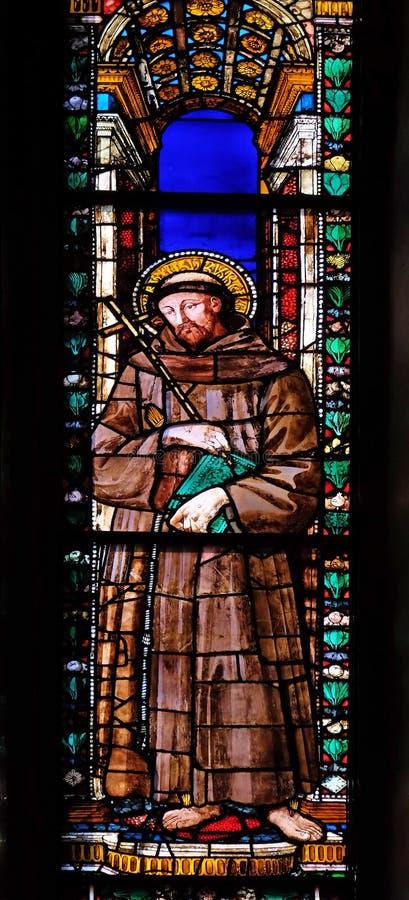 圣弗朗西斯,在大教堂二三塔Croce的污迹玻璃窗在佛罗伦萨 库存图片