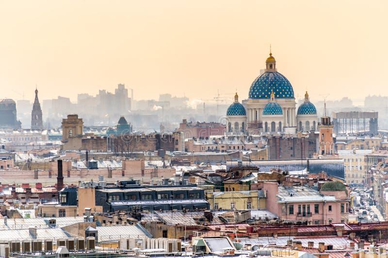 圣彼得堡和三位一体大教堂鸟瞰图  免版税库存图片